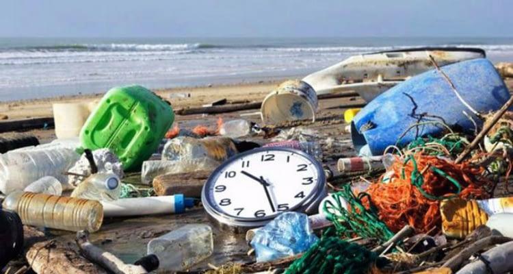 пристрастеност към пластмасата