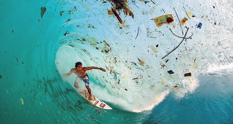 океана докато сърфираш в интернет